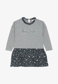 Name it - NMFNENYAS LIGHT SWEAT DRESS - Vardagsklänning - green gables - 3