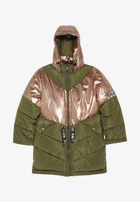 Name it - NKFMUSIC LONG PUFFER JACKET - Winter coat - winter moss - 3