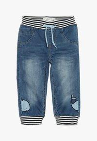 Name it - NBMBOB DNMBAJAKE PANT - Jeans Tapered Fit - medium blue denim - 0