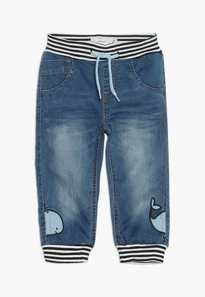 NBMBOB DNMBAJAKE PANT - Zúžené džíny - medium blue denim