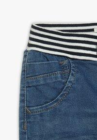 Name it - NBMBOB DNMBAJAKE PANT - Jeans Tapered Fit - medium blue denim - 2