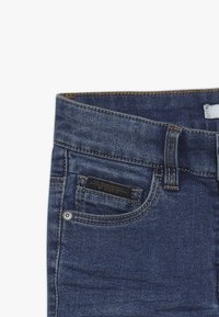 Name it - NKMTHEO PANT - Vaqueros boyfriend - medium blue denim - 3