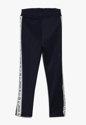 NKMBUTOS PANT - Teplákové kalhoty - dark sapphire