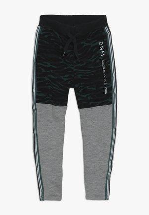 NKMLIVAN PANT - Verryttelyhousut - grey melange
