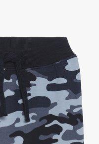 Name it - NBMKECAMO PANT - Pantaloni - dark sapphire - 4