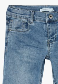 Name it - NKMSOFUS LONG - Szorty jeansowe - light blue denim - 2