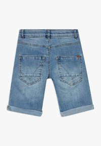 Name it - NKMSOFUS LONG - Szorty jeansowe - light blue denim - 1