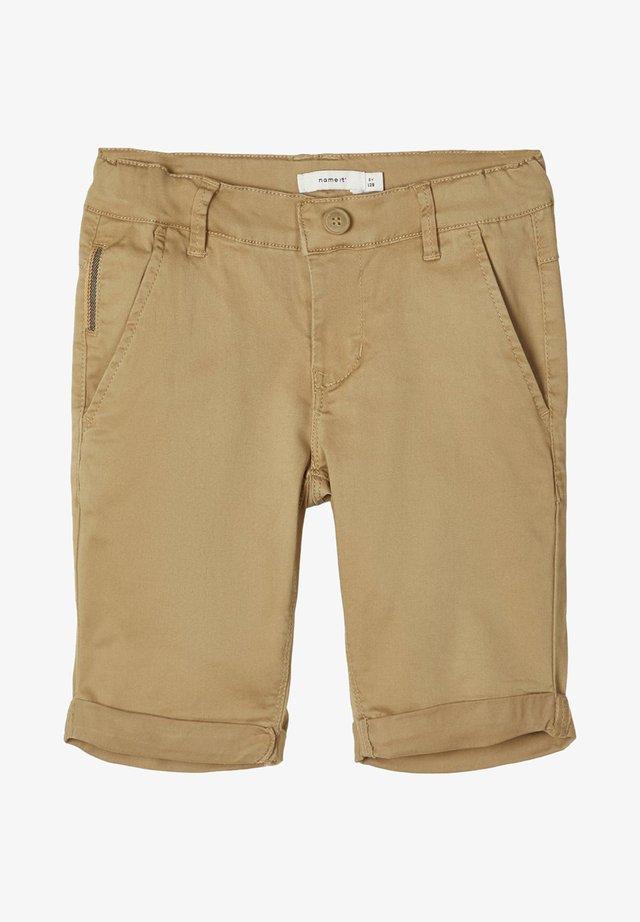 NAME IT CHINOSHORTS SLIM FIT - Shorts - kelp