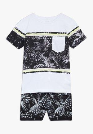 NKMHELMHARE SET - Shorts - limelight