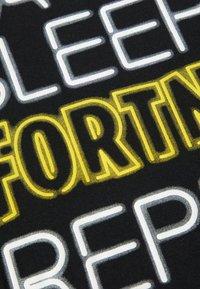 Name it - FORTNITE - T-shirts print - black - 2