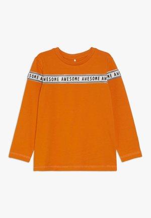 NMMNUR - Pitkähihainen paita - mandarin orange