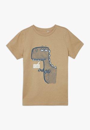NKMDANNI  - T-shirt print - tannin
