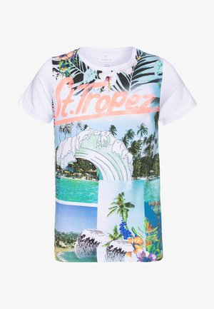 NKMZATO SS TOP BOX F - Camiseta estampada - bright white