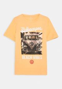 Name it - NKMVW XAVIER  - Print T-shirt - canteloupe - 0