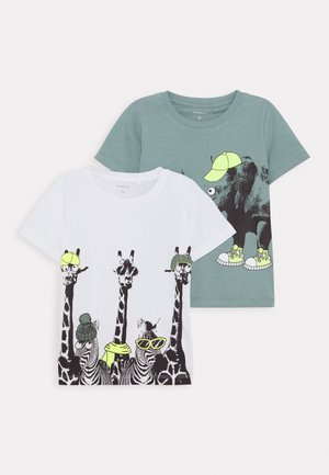 NMMJACHOB CAMP 2 Pack - T-shirts print - bright white/green