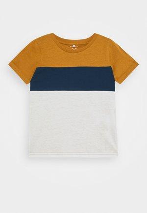 NMMKUT - Print T-shirt - medal bronze