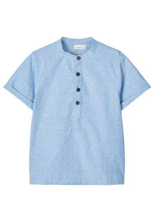 NAME IT HEMD MANDARINKRAGEN - T-shirt z nadrukiem - sterling blue