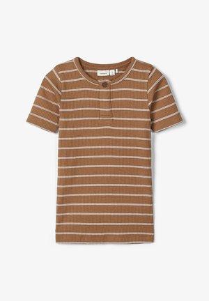 SLIM FIT  - Print T-shirt - brown