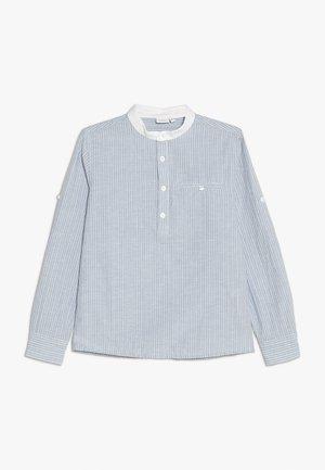 NKMFABIAN BOX - Košile - ashley blue