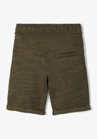 Name it - SWEATSHORTS LANGE - Shorts - ivy green - 2