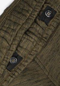 Name it - SWEATSHORTS LANGE - Shorts - ivy green - 3
