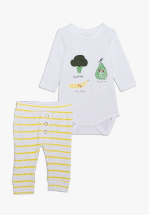 NBNUNNEHE BODY SET - Sleep suit - bright white