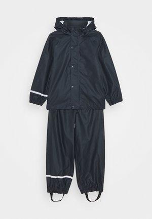 NKNDRY RAIN SET - Kalhoty do deště - dark sapphire