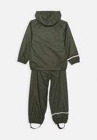 Name it - NKNDRY RAIN SET - Kalhoty do deště - thyme - 1