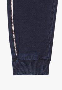 Name it - NBMROMEO DNMTRUE PANT - Trousers - dark blue denim - 3