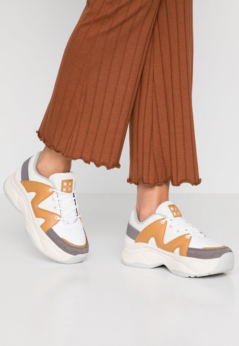 NA-KD - BROOKLYN - Sneaker low - camel/grey