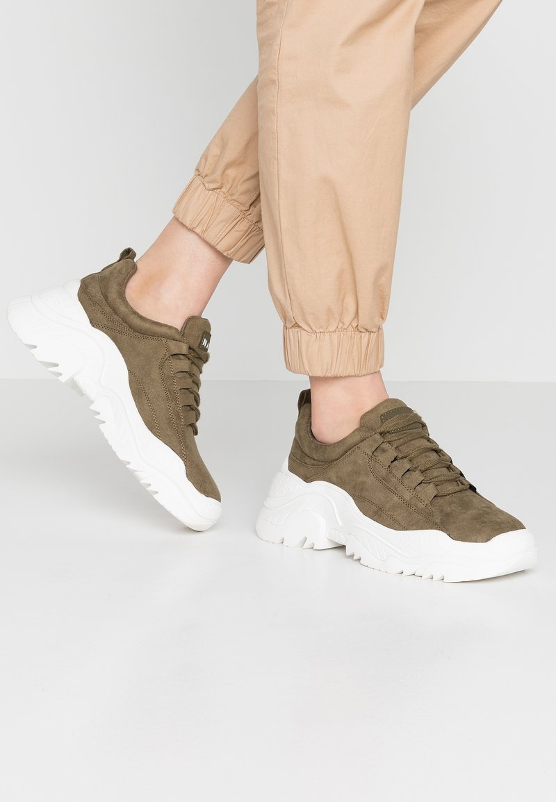NA-KD - PROFILE TRAINERS - Sneaker low - khaki