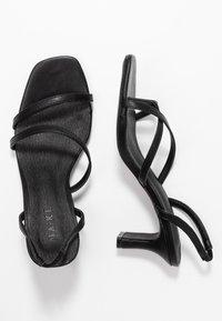 NA-KD - ASYMMETRIC STRAP - Sandaalit nilkkaremmillä - black - 3