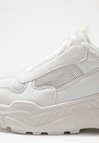 NA-KD - MIX CHUNKY TRAINERS - Joggesko - white - 2