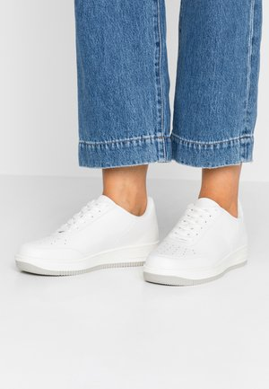 BASIC - Sneakers basse - white