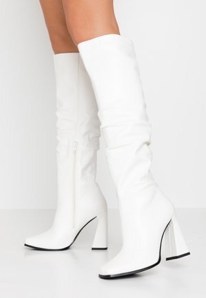 GRAPHIC BOOTS - Boots med høye hæler - white