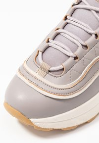 NA-KD - ROUNDED CHUNKY TRAINERS - Tenisky - lilac - 2