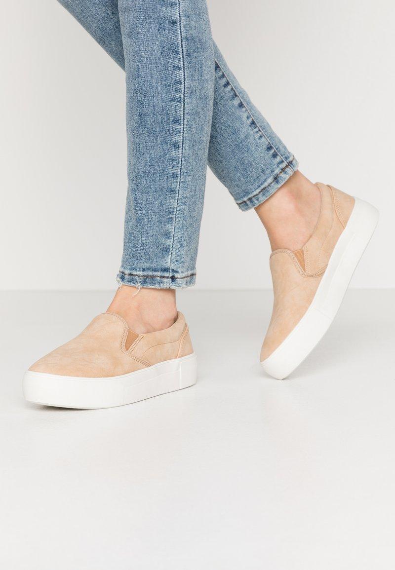 NA-KD - BASIC TRAINERS - Slippers - beige