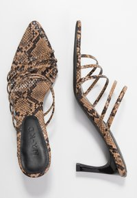 NA-KD - STRAPPY POINTY  - Mules à talons - brown - 3