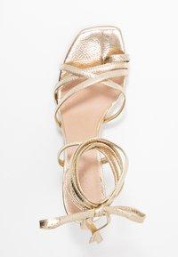 NA-KD - ANKLE STRAP STILETTO HEELS - Sandály na vysokém podpatku - gold - 3