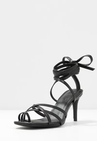 NA-KD - ANKLE STRAP STILETTO HEELS - Højhælede sandaletter / Højhælede sandaler - black - 4