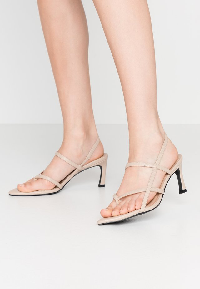 POINTY SOLE TOE STRAP  - Sandaler - nude/beige