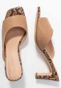 NA-KD - TWO TONED MULES - Pantofle na podpatku - beige - 3