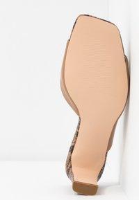 NA-KD - TWO TONED MULES - Pantofle na podpatku - beige - 6