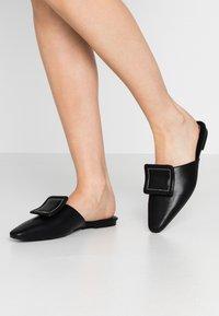 NA-KD - APPLICATION DETAILED - Pantofle - black - 0
