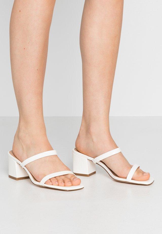 SQUARED TWO STRAP - Pantofle na podpatku - white