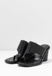 NA-KD - TOE RING MULES BLOCK HEEL - T-bar sandals - black - 4