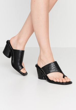 TOE RING MULES BLOCK HEEL - Tongs - black