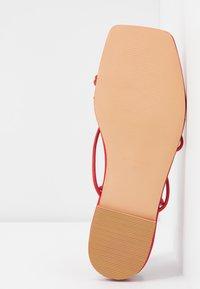 NA-KD - FLAT STRAP  - T-bar sandals - red - 6