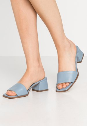 BASIC BLOCK HEELED MULES - Klapki - blue