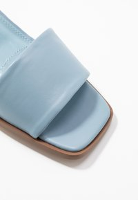 NA-KD - BASIC BLOCK HEELED MULES - Pantofle na podpatku - blue - 2